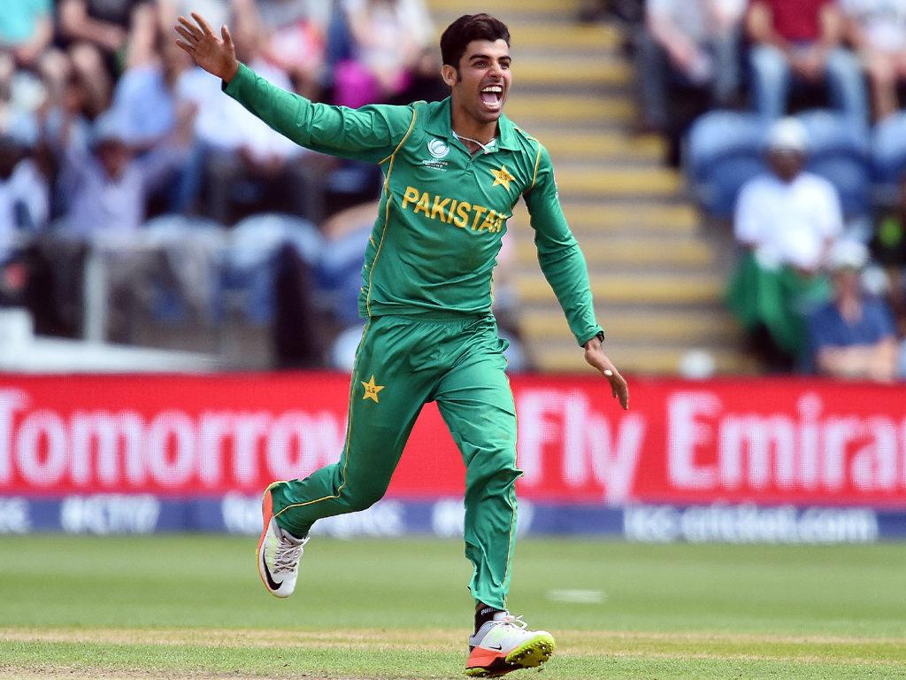 CWC 2019: शादाब खान ने सभी को हैरान करते हुए इस टीम को बताया विश्व कप का प्रबल दावेदार 5