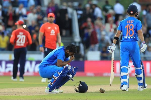 5 सबसे दुर्भाग्यशाली खिलाड़ी, जो 199 के स्कोर पर हुए आउट, लिस्ट में 2 भारतीय 1