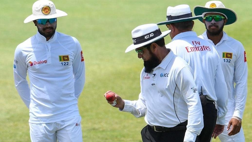 श्रीलंका क्रिकेट बोर्ड ने लगाया आईसीसी पर आरोप, बॉल टेम्परिंग की वजह से खिलाड़ियों को बैन करने से पहले स्पष्ट करे नियम 1