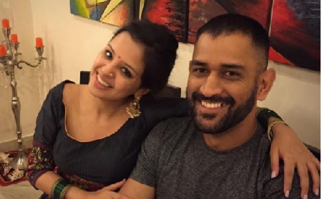 महेंद्र सिंह धोनी की पत्नी साक्षी ने किया खुलासा,  बचपन के दोस्त नहीं हैं माही 1