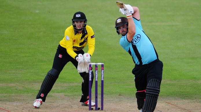इस साल घरेलु और टी-20 क्रिकेट में इन तीन बल्लेबाजों ने लगाये हैं सबसे अधिक छक्के 46