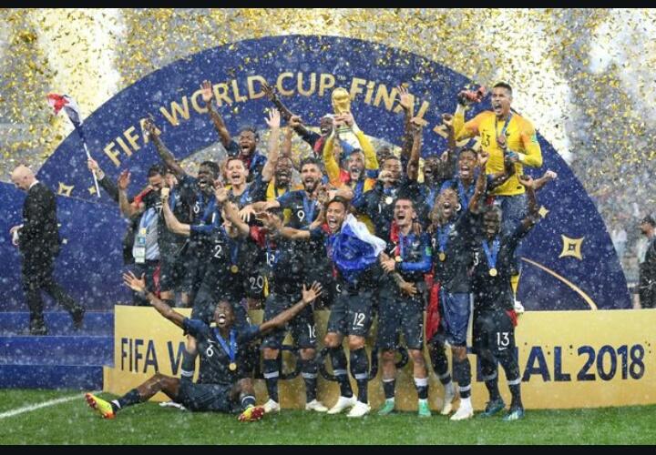 20 साल बाद विश्वकप घूमेगा फ्रांस, फाइनल में क्रोएशिया को 4-2 से दी मात 7