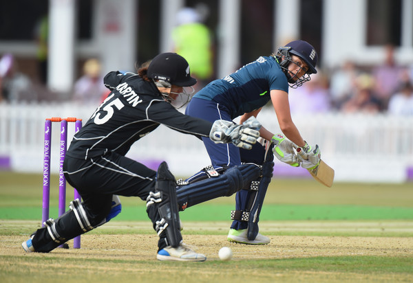 New Zealand women's cricket team prevented England from sweeping clean sweep