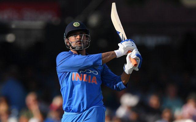 पूर्व भारतीय चयनकर्ता किरण मोरे ने बताया कैसे मिली महेंद्र सिंह धोनी को भारतीय टीम में जगह 1