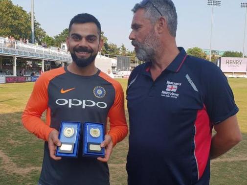 इंग्लैंड की बर्मी आर्मी ने विराट कोहली को चुना साल का सर्वश्रेष्ठ क्रिकेटर, भावुक भारतीय कप्तान ने कही ये बात 1