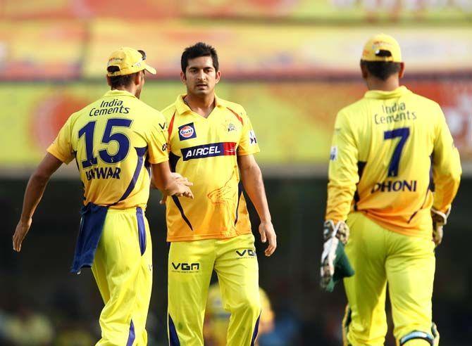इन 4 गेंदबाजो पर इस तरह मेहरबान हुए महेंद्र सिंह धोनी कि दिला दी भारतीय टीम में जगह 4