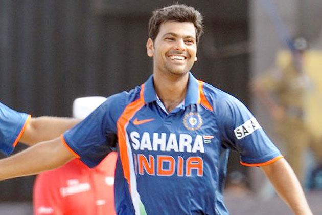 3 भारतीय गेंदबाज जो शानदार शुरूआत के बाद हो गये फ्लॉप, नंबर-2 धोनी का चहेता 5