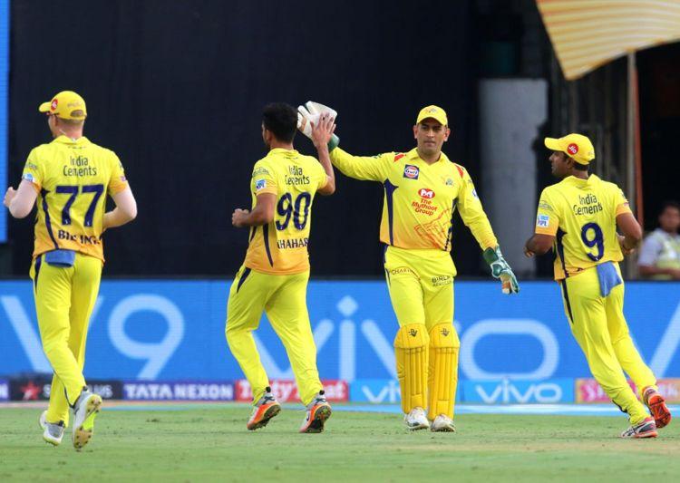 इन 4 गेंदबाजो पर इस तरह मेहरबान हुए महेंद्र सिंह धोनी कि दिला दी भारतीय टीम में जगह 22