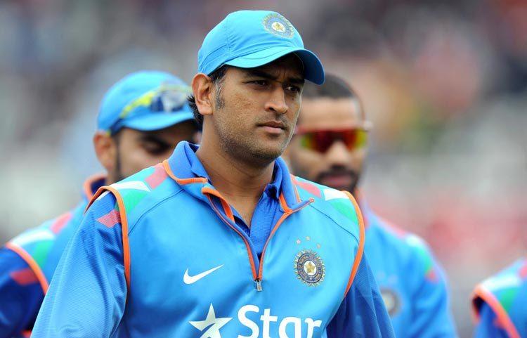 क्रिकेट का एक फॉर्मेट न खेलने वाले महेंद्र सिंह धोनी की सालाना एंडोर्समेंट जानकर आप रह जाएंगे हैरान 5