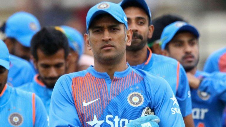 धोनी की वजह से भारत का यह स्टार खिलाड़ी नहीं पढ़ता अखबार, वजह काफी हैरान करने वाली 2