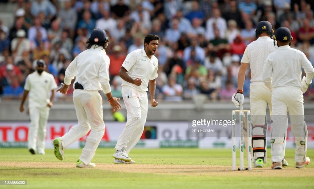 वीडियो- इंग्लैंड का ये स्टार बल्लेबाज आर अश्विन के सामने आता है बेबस नजर, हर बार दे जाता है फ्री विकेट 12