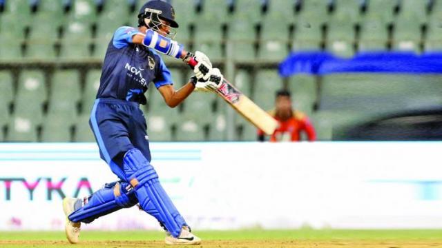 अर्जुन फ्लॉप लेकिन गोलगप्पे बेच क्रिकेट सीखने वाले ने शतकीय पारी खेल मचाई धूम 2