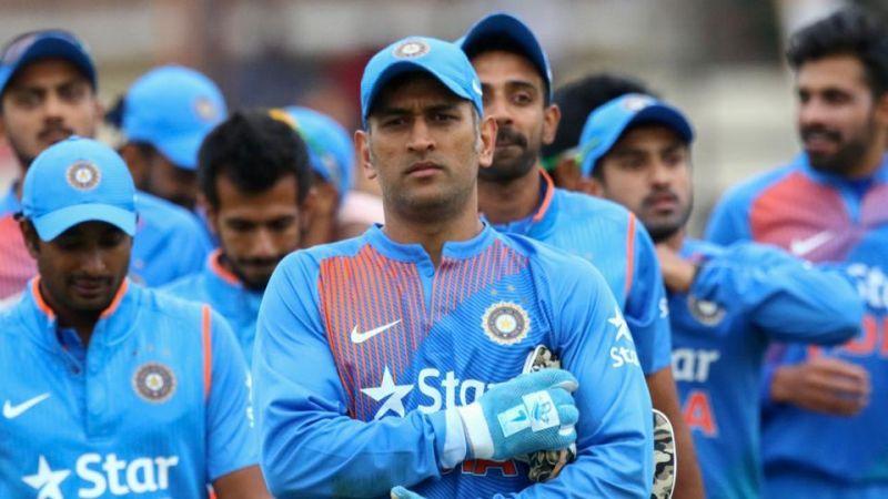 क्रिकेट का एक फॉर्मेट न खेलने वाले महेंद्र सिंह धोनी की सालाना एंडोर्समेंट जानकर आप रह जाएंगे हैरान 2