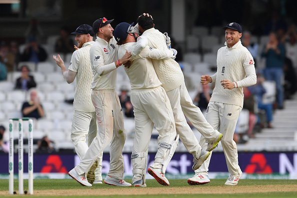 भारतीय टीम के कप्तान विराट कोहली के पत्रकार के सवाल पर भड़कने को लेकर सुनील गावस्कर ने दी अपनी प्रतिक्रिया 4