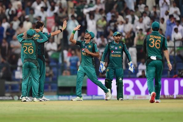 एशिया कप 2018- अफगान टीम के गेंदबाज अफताब के भावुक होने के बाद शोएब मलिक ने किया कुछ ऐसा कि जीत लिया हर किसी का दिल 2