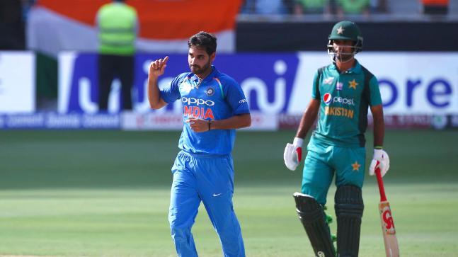 एशिया कप 2018: IND vs PAK: पाकिस्तान की बल्लेबाज़ी को लेकर फैन्स ने कुछ यूँ उड़ाया मजाक, सर जडेजा ने फखर जमान को लेकर कही ये बड़ी बात