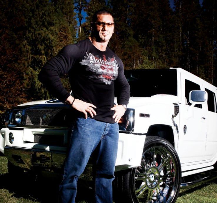 इन WWE सुपर-स्टार्स की कारे देख आपको होने लगेगी चिढ़ 7
