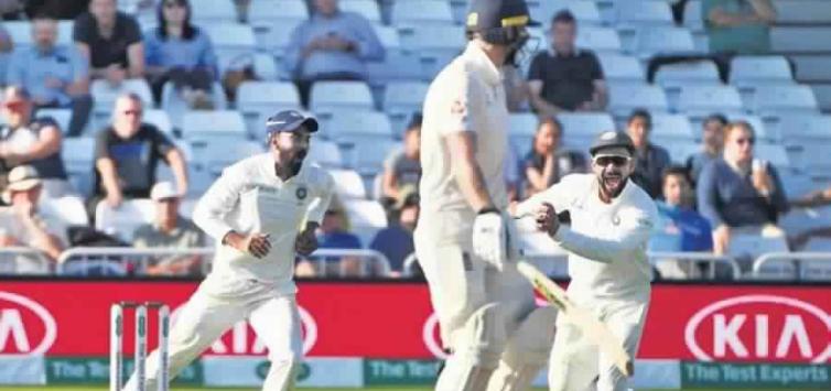 ENG vs IND:ट्वीटर रिएक्शन: हार की कगार पर पहुंची टीम इंडिया, इस भारतीय खिलाड़ी को बाहर करने की उठी मांग 10
