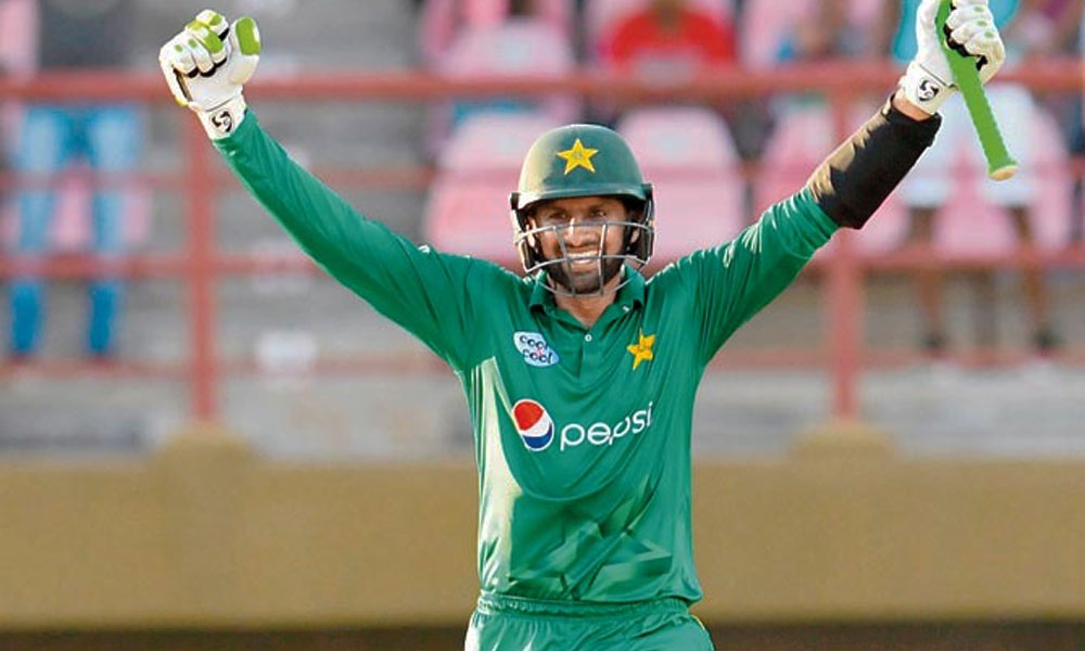 शोएब मलिक ने टी-20 क्रिकेट में ऐसी उपलब्धि की हासिल, जिससे रोहित-विराट काफी दूर 2