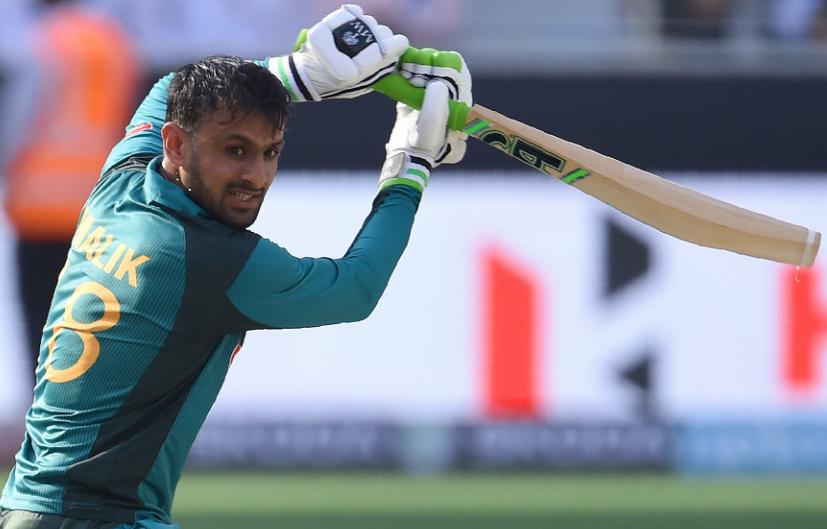 एशिया कप 2018- अफगान टीम के गेंदबाज अफताब के भावुक होने के बाद शोएब मलिक ने किया कुछ ऐसा कि जीत लिया हर किसी का दिल 3