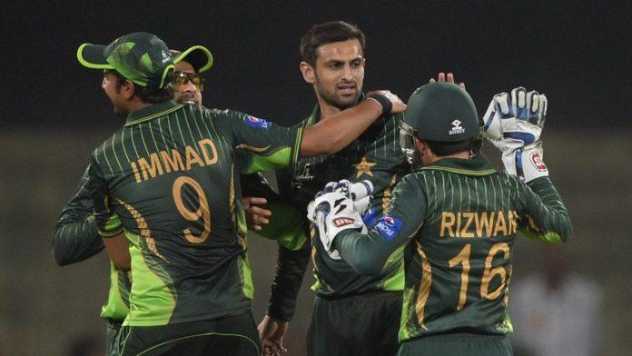 एशिया कप 2018: पाकिस्तान को लगा करारा झटका, जिसके बदौलत जीता था चैम्पियंस ट्राफी वही हुआ फिटनेस टेस्ट में फेल 3