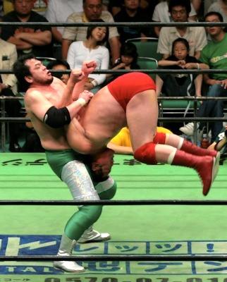 ऐसे दर्दनाक मूव्स, जिन पर WWE ने प्रतिबन्ध लगाना ही सही समझा, अब हैं प्रतिबंधित 6