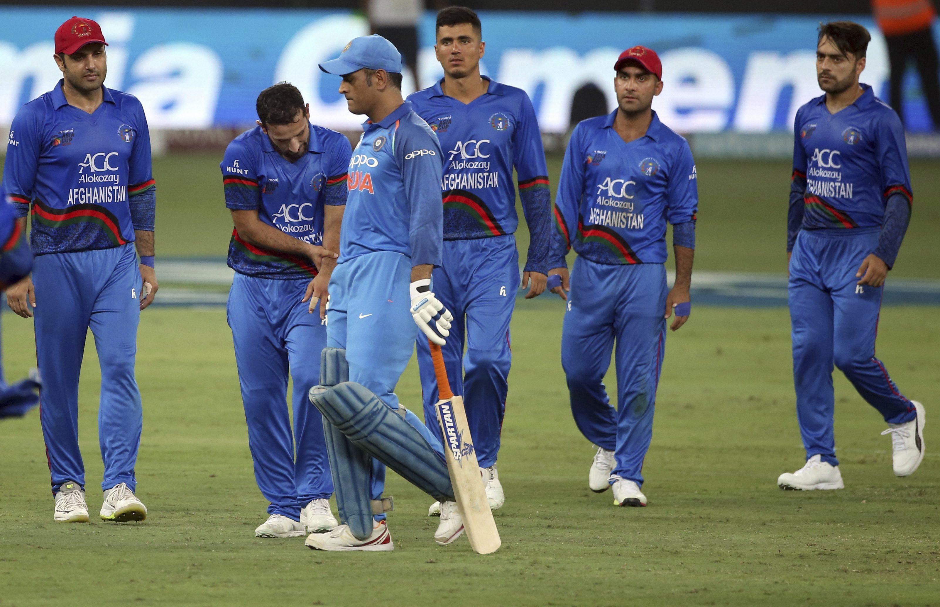 महेन्द्र सिंह धोनी को विश्वकप से पहले फॉर्म हासिल करने के लिए सुनील गावस्कर ने दी ये सलाह 1