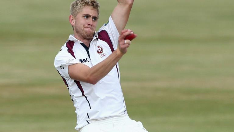 इंग्लैंड की टीम को बड़ा झटका, एशेज के सभी टेस्ट मैचों से बाहर हुआ स्टार खिलाड़ी 1