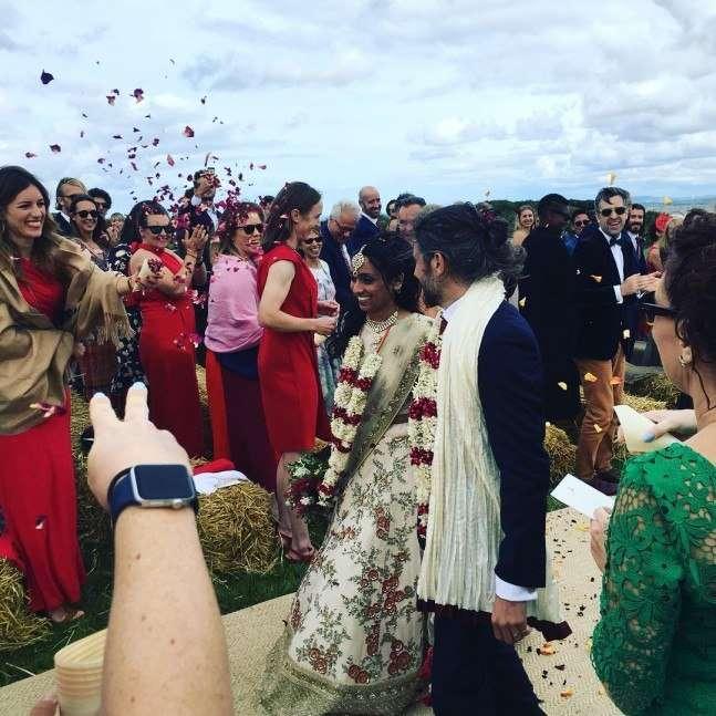 भारतीय मूल की इंग्लिश महिला क्रिकेटर ईशा गुहा बंधी शादी के बंधन में, जाने कौन बना दूल्हा 1