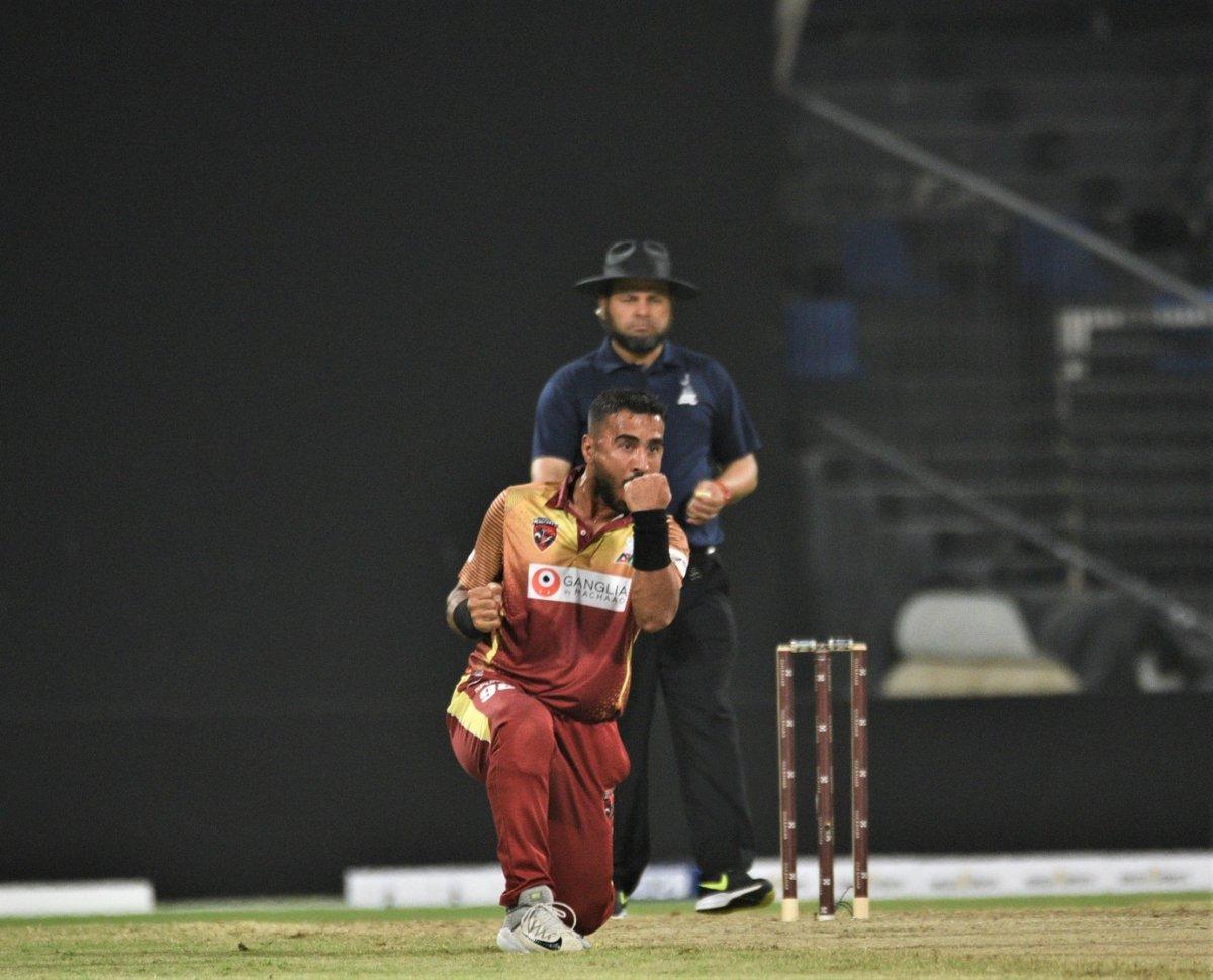 APL 2018: 6 6 6 के मदद से राशिद  खान ने खेली तूफानी पारी, मात्र 8 गेंदों में जीता दिया टीम को मैच