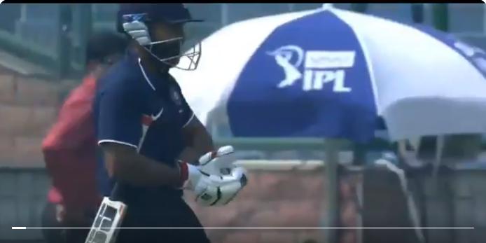 देवधर ट्रॉफी- अंकित बावने बल्लेबाजी करने जाते वक्त ही कर बैठे ये अपशगुन, बने गोल्डन डक का शिकार, देखे वीडियो 7