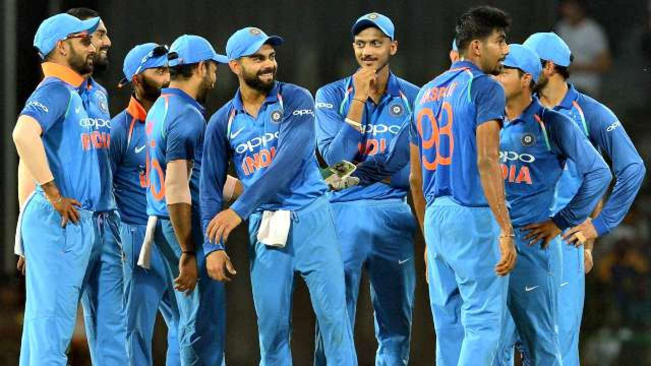 INDvsWI: अंतिम 3 वनडे मैच से मोहम्मद शमी को बाहर किये जाने पर भड़के लोग, विराट को सुनाई खरीखोटी 2