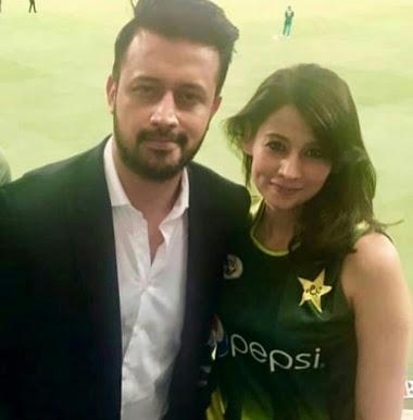 भारत-पाकिस्तान मैच के दौरान सेंसेशन बनी लड़की ने कहा 'सपनों में ऐसा कुछ होने की उम्मीद नही की थी' 4