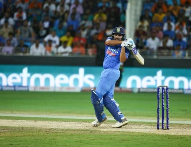 STATS: INDvsWI: रोहित शर्मा ने शतक बनाने के साथ ही बनाये ये 8 रिकार्ड्स, ऐसा करने वाले पहले भारतीय बने