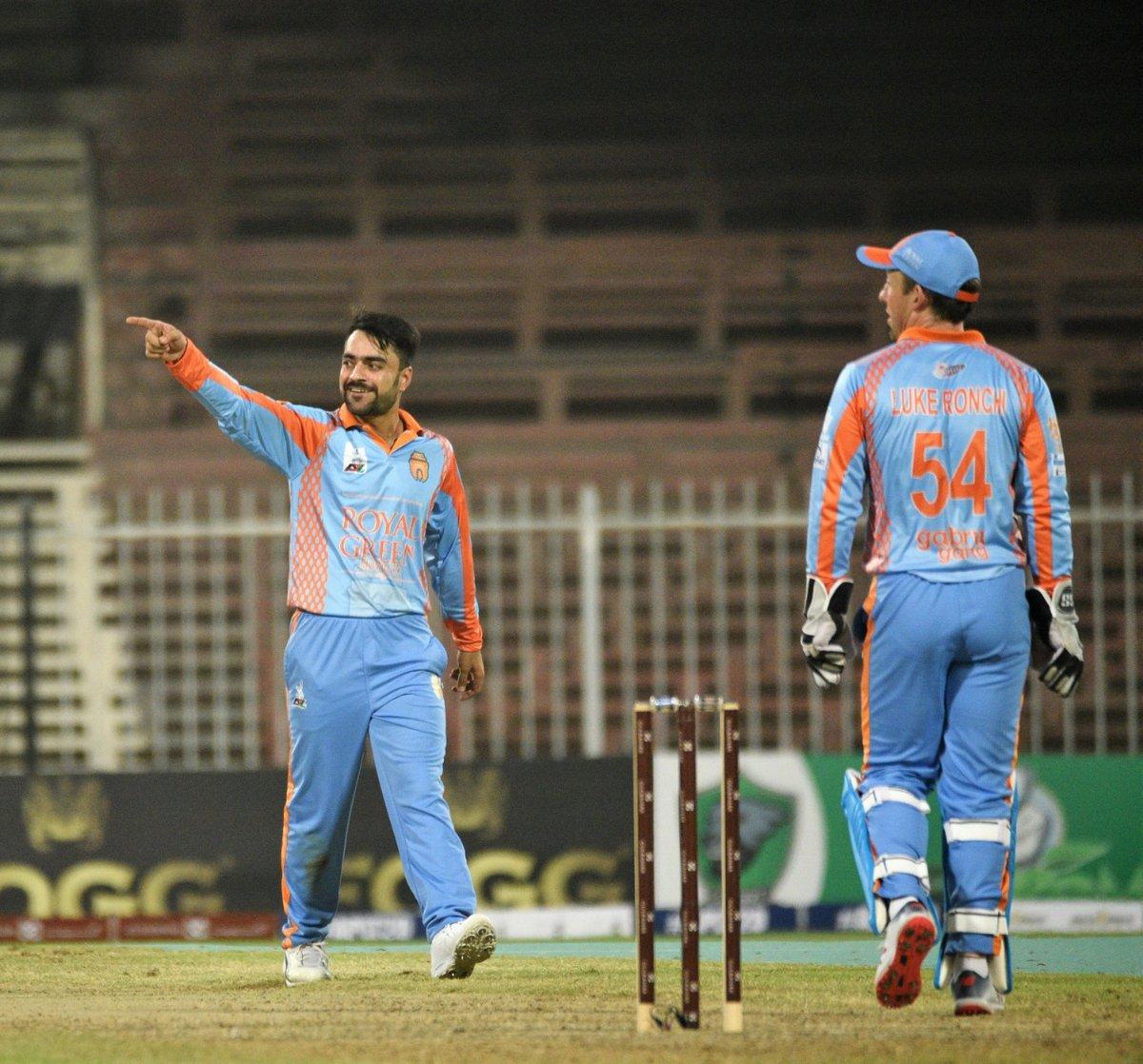 APL 2018: 6 6 6 के मदद से राशिद  खान ने खेली तूफानी पारी, मात्र 8 गेंदों में जीता दिया टीम को मैच 1