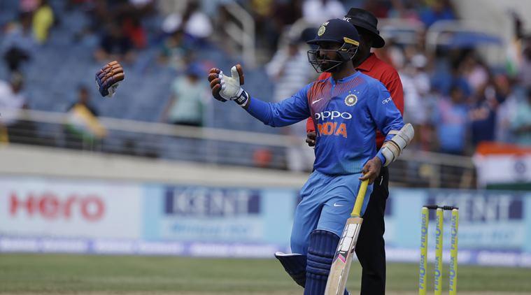 सभी को हैरान करते हुए दिनेश कार्तिक ने भारतीय टीम के इस सदस्य को दिया जीत का पूरा श्रेय 2