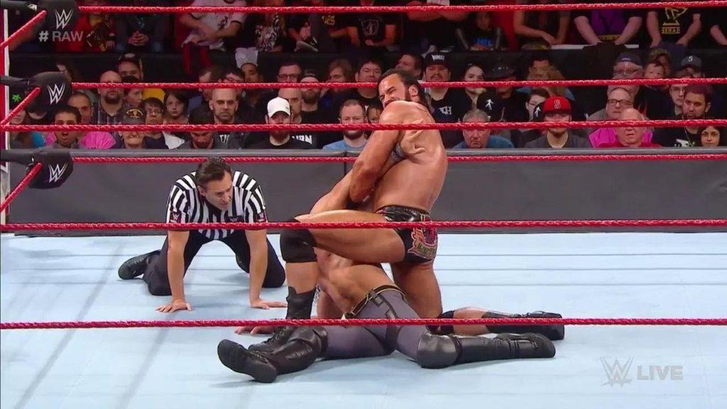 WWE रॉ रिजल्ट्स: 1 अक्टूबर, 2018, रेड मॉन्स्टर की वापसी 6