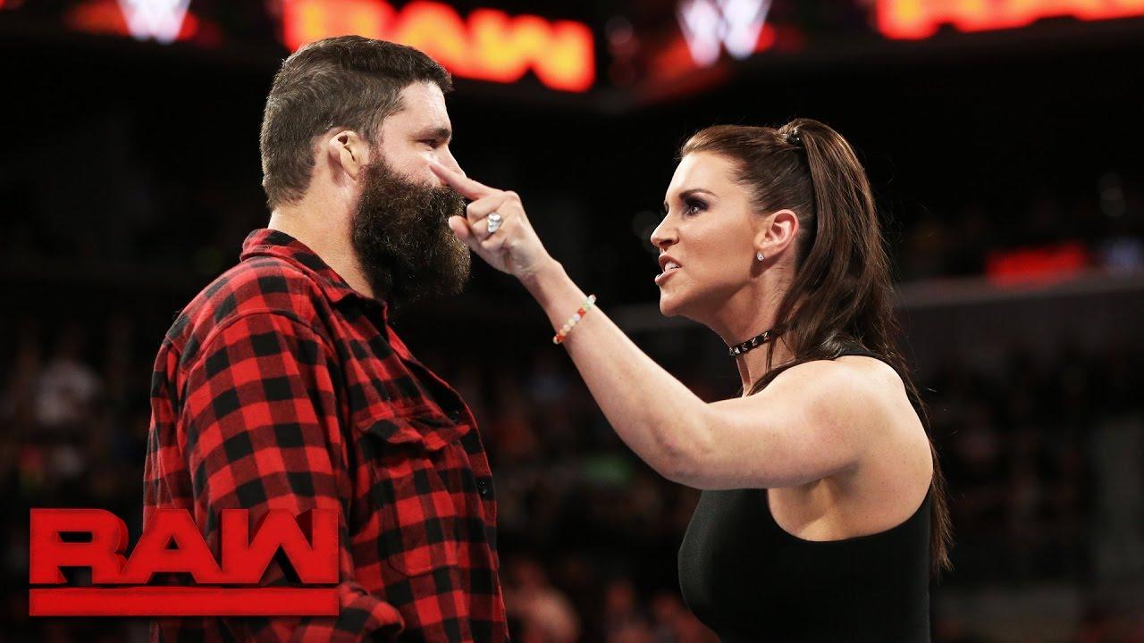 मिक फ़ोले ने बताया, किस कारण छोड़ना पड़ा था उन्हें WWE रॉ जनरल मैनेजर का पद 8
