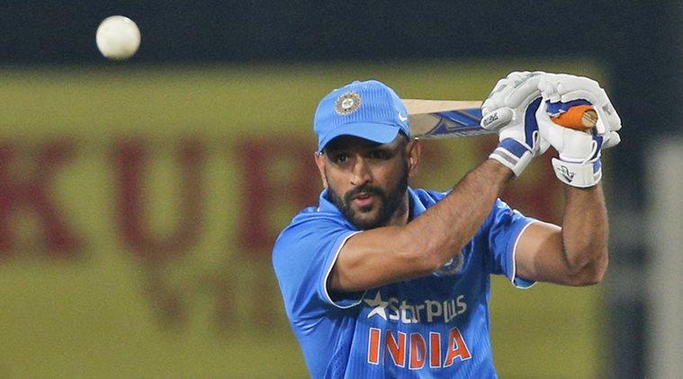सुनील गावस्कर ने कहा किसी भी हालत में महेंद्र सिंह धोनी को विश्वकप टीम से बाहर नहीं किया जा सकता 1