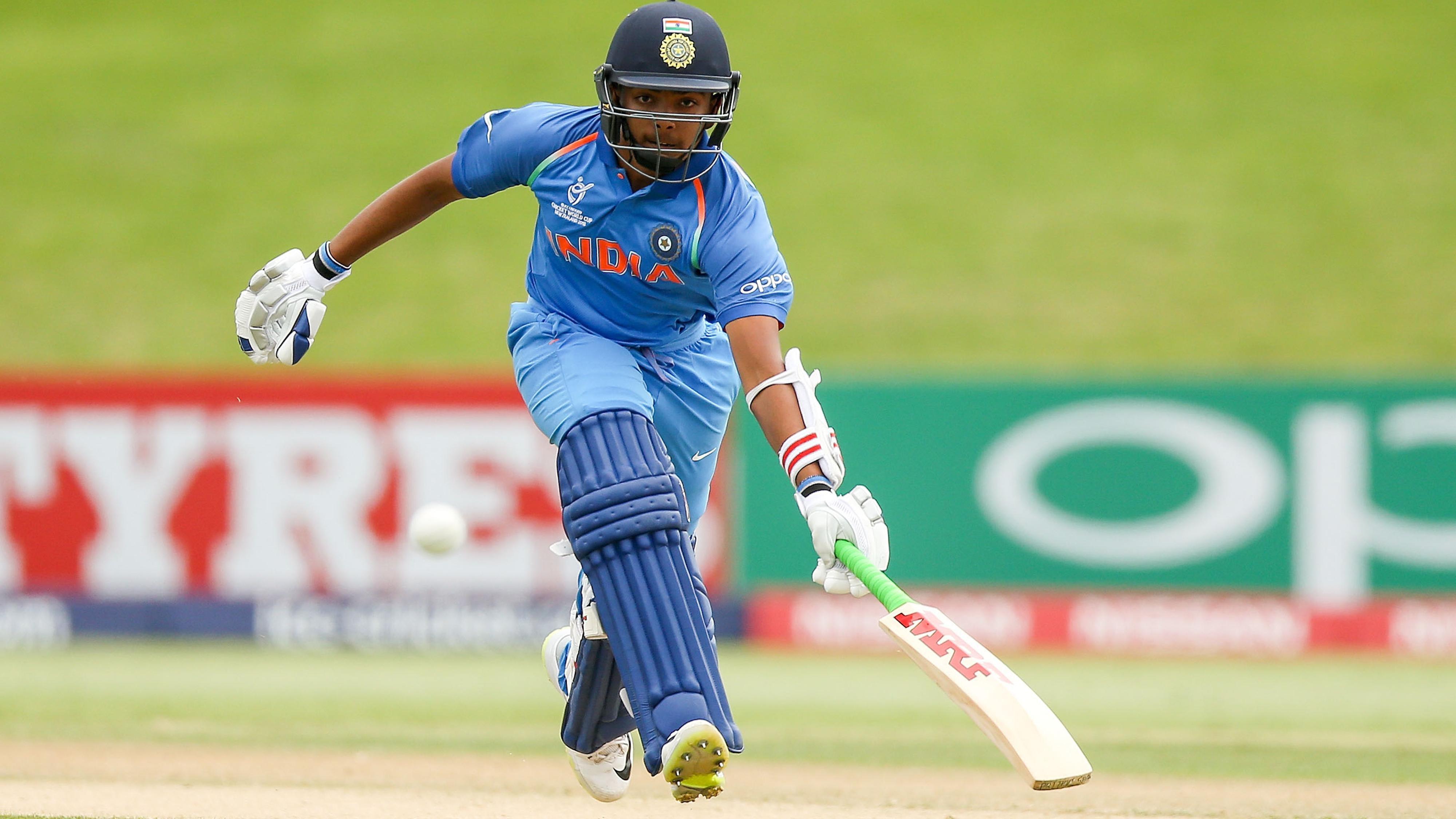 पृथ्वी शॉ से पहले ये 2 दिग्गज भारतीय खिलाड़ी भी वेस्टइंडीज के खिलाफ कर चुके हैं अपना डेब्यू 34