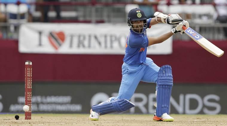 5 खिलाड़ी जिन्हें छोड़ देना चाहिए विश्व कप 2019 में खेलने का सपना, पहले 2 को ले लेना चाहिए वनडे से संन्यास 4