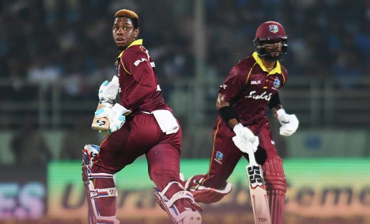INDvsWI, दूसरा वनडे: विराट कोहली ने टाई मैच के बाद किया कुछ ऐसा जीता विंडीज फैंस का दिल 2