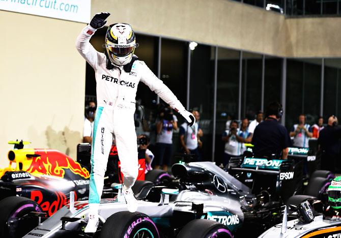 F-1: Pole Position to Hamilton in Abu Dhabi Grand Prix