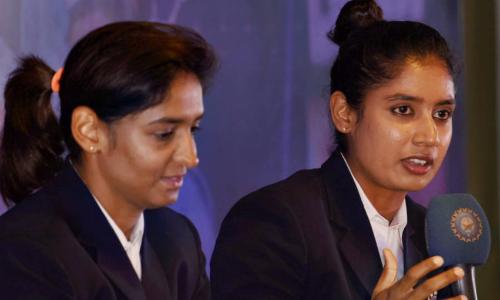 बीसीसीआई के शीर्ष अधिकारियों से मिली हरमनप्रीत, मिताली