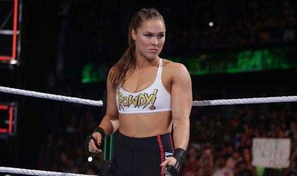रोमन रेंस के WWE से बाहर जाने के बाद रेसलमेनिया-35 में हो सकता है बड़ा बदलाव 8