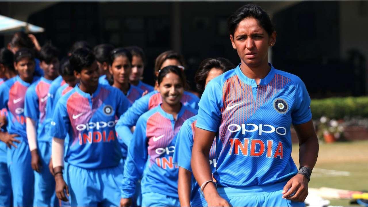 ICC Women's WT20: सेमीफाइनल में भारत के हार के बाद हरमनप्रीत कौर पर फूटा प्रशंसको का गुस्सा, कौर की इस गलती को ठहराया जिम्मेदार 2