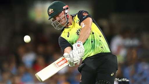 वनडे सीरीज से पहले ऑस्ट्रेलिया में आया क्रिस लिन नाम का तूफान, 15 छक्कों की मदद से खेली तूफानी शतकीय पारी 55