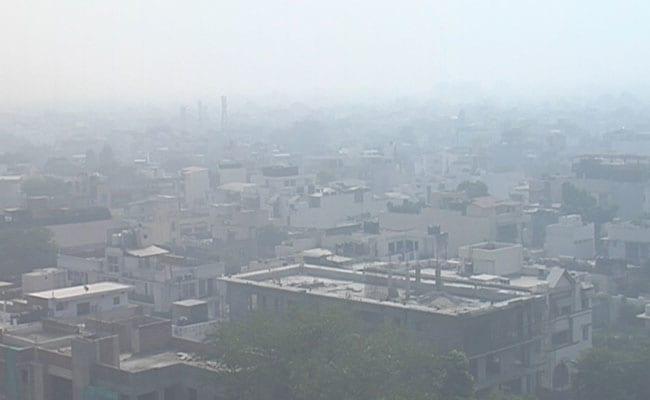बीसीसीआई नहीं दे रहे ध्यान दिल्ली में बढ़ा प्रदुषण रणजी मैच के दौरान मास्क लगाकर खेलते नजर आए खिलाड़ी 2