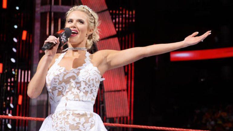 किसी बार्बी डॉल से कम नहीं हैं ये WWE डीवा सुपरस्टार 7