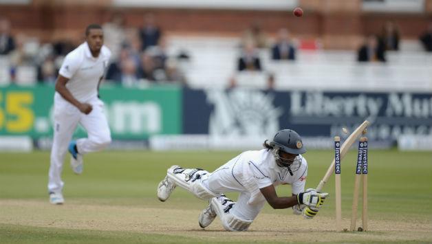 वीडियो: जब मोबइल फ़ोन की वजह से हिट विकेट हो गया था ये बल्लेबाज 5